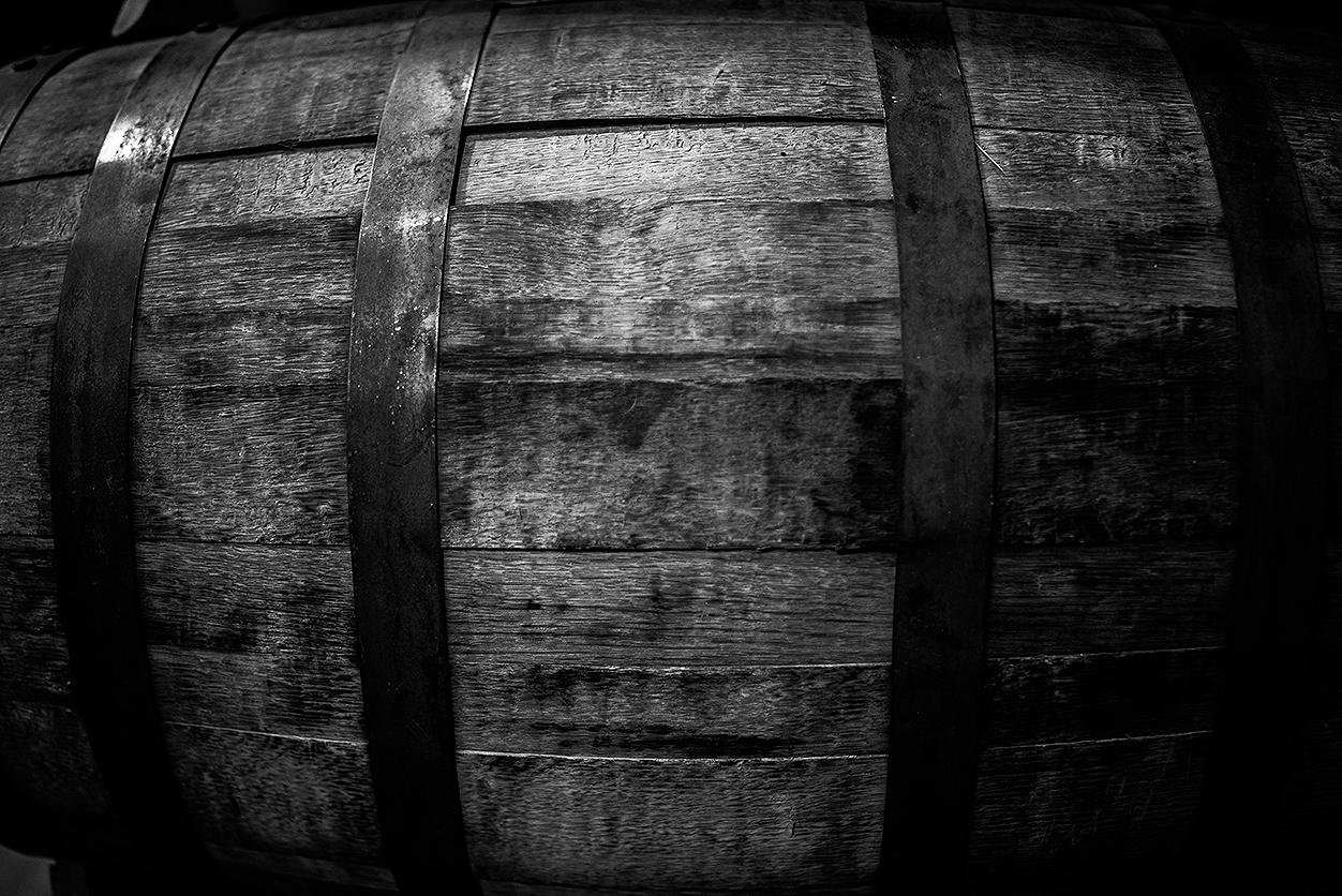 Barrel B&W